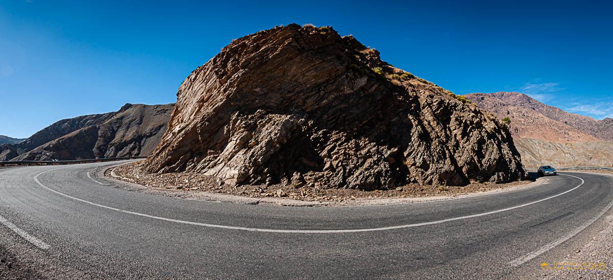 Bend in Tichka road